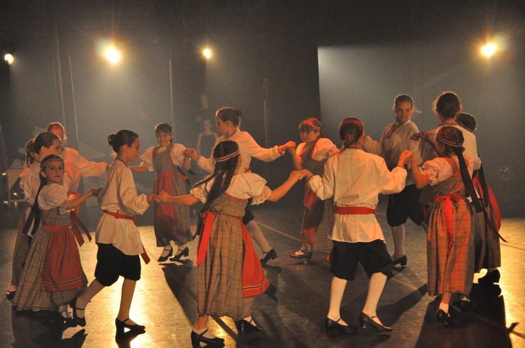 Danse Folklore (0871)